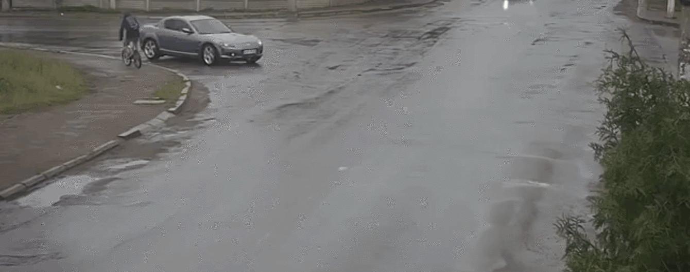 Проезд на желтый в Коломые закончился масштабной тройной аварией
