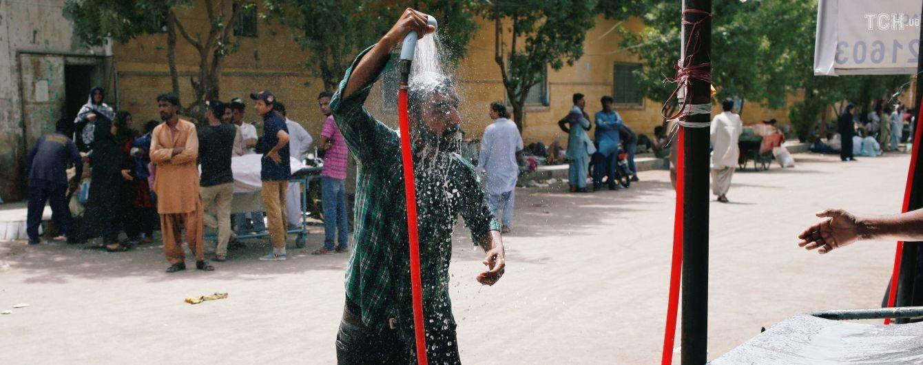 От аномальной жары в Пакистане погибли уже 65 человек