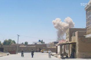В Афганистане в полицейском участке рвануло наполненное взрывчаткой авто. Более десятка погибших