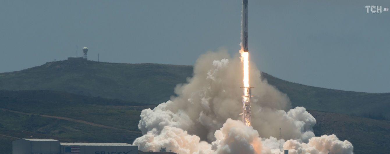 SpaceX Маска готова назвати ім'я першого космічного туриста