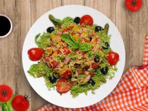 Теплий салат з рису — і гарнір, і закуска