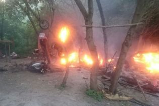 Под Тернополем неизвестные со стрельбой сожгли лагерь ромов