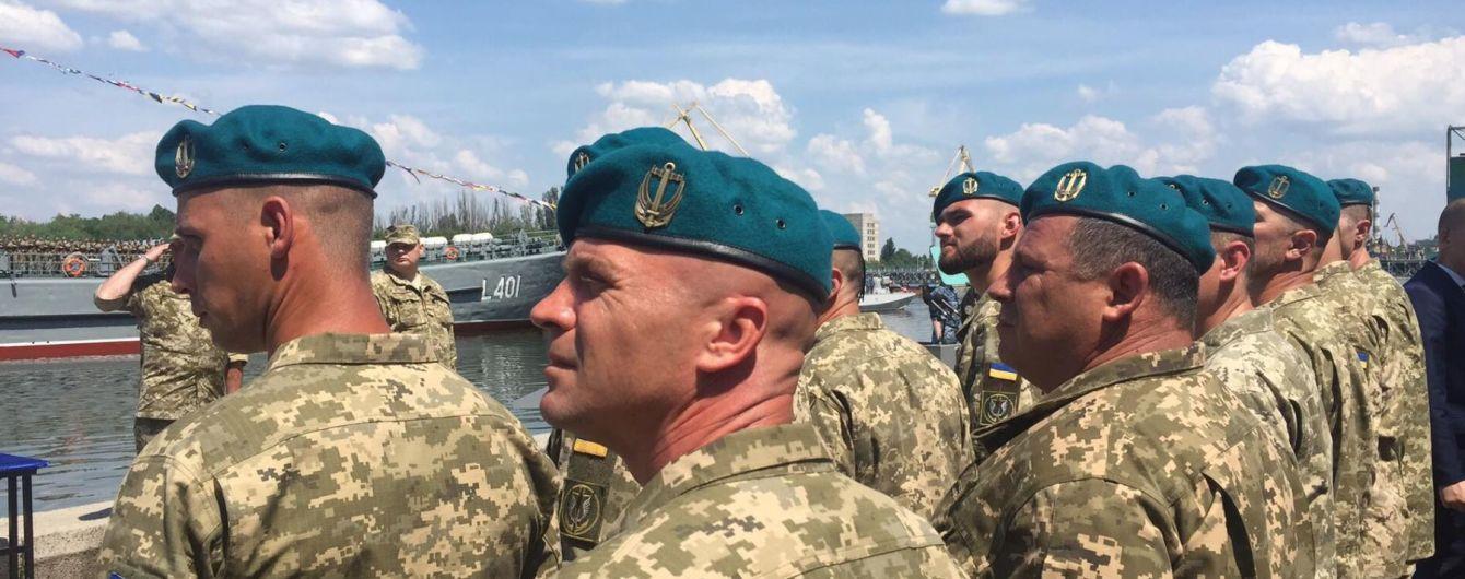 З лав ЗСУ виженуть двох морпіхів, які п'яними відлупцювали літнього волонтера у Миколаєві