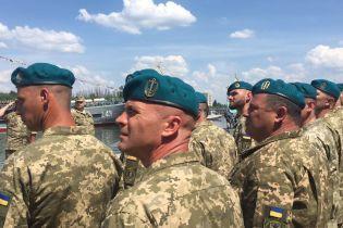 Из рядов ВСУ выгонят двух морпехов, которые пьяными избили пожилого волонтера в Николаеве