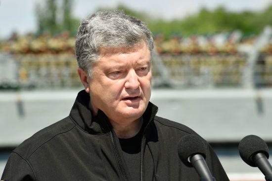 Порошенко відповів на пропозицію РФ щодо миротворців на Донбасі