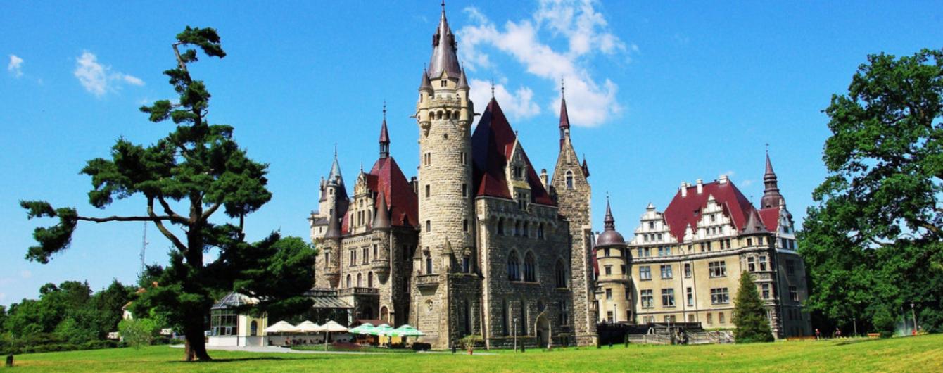 Сказочный замок с британским шармом сохранился в польской провинции