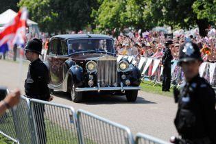 Королевский кортеж: какие автомобили присутствовали на свадьбе принца Гарри и Меган Маркл