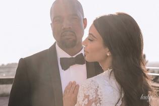 В свадебном платье тоже от Givenchy: Ким Кардашьян трогательно поздравила мужа с годовщиной свадьбы