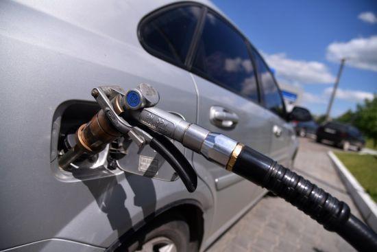 Скільки коштує заправити авто на АЗС уранці 13 серпня