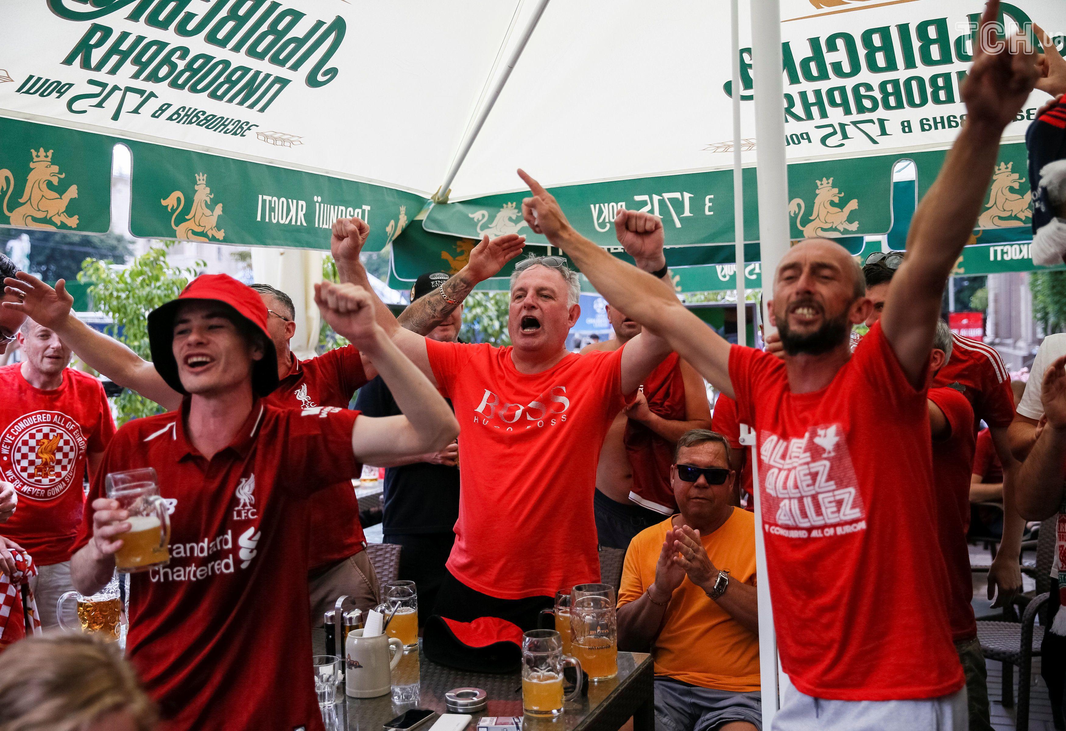 Фанати Реала і Ліверпуля у фан-зоні, фан-зона ЛЧ_9
