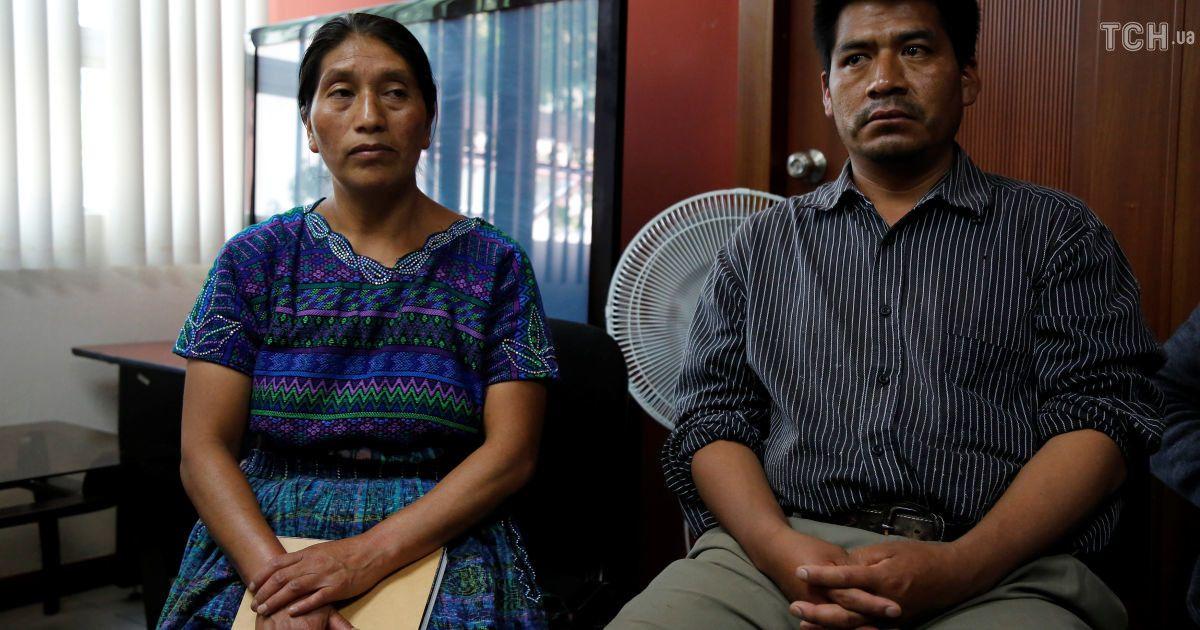 Родичі загиблої жінки під час прес-конференції у Гватемалі.