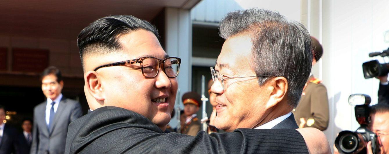 Лидеры КНДР и Южной Кореи проводят незапланированную встречу