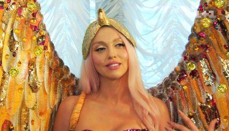 Оля Полякова з золотими крилами заявила, що підняла свій гонорар до 20 тисяч євро