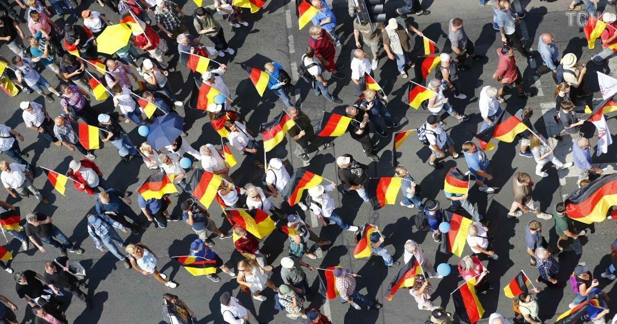 """Прихильники правопопулістської партії """"Альтернатива для Німеччини"""". @ Reuters"""