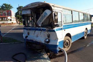 У Кіровоградській області розбився службовий автобус із гірниками