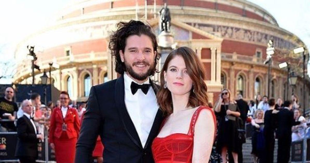 """Влюбленные и счастливые звезды """"Игры престолов"""" Харингтон и Лесли объявили дату свадьбы"""