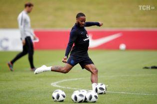 Одного из лидеров сборной Англии хотят выгнать из команды перед ЧМ-2018 из-за татуировки