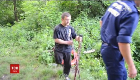 На Рівненщині врятували чоловіка з інвалідністю, який прожив дві доби на безлюдному острові