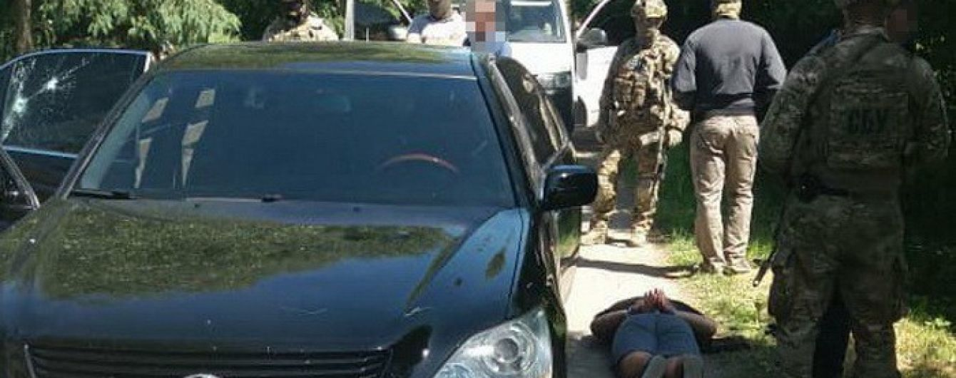 СБУ викрила організовану злочинну групу на Прикарпатті