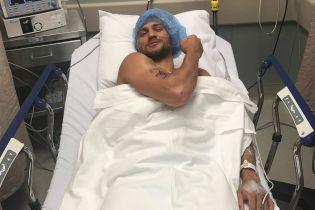 Ломаченко успішно переніс операцію на плечі