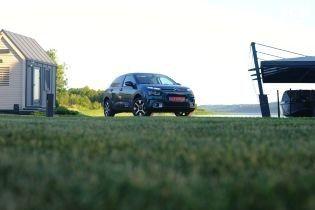 В Украине представили хэтчбек Citroen C4 Cactus, способный справляться с плохими дорогами