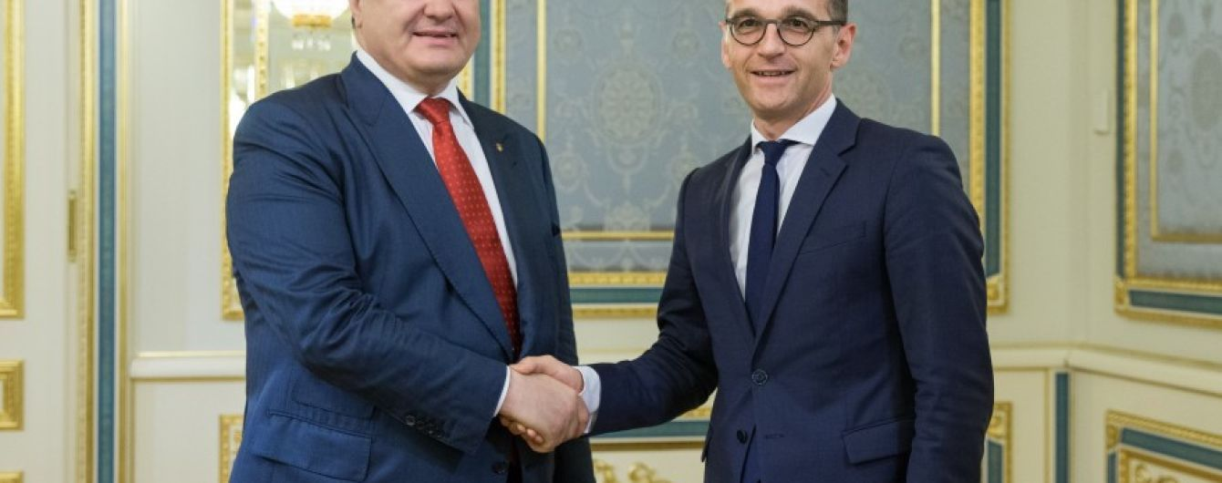 Действия РФ и освобождения заложников: о чем говорили Порошенко и министр иностранных дел Германии