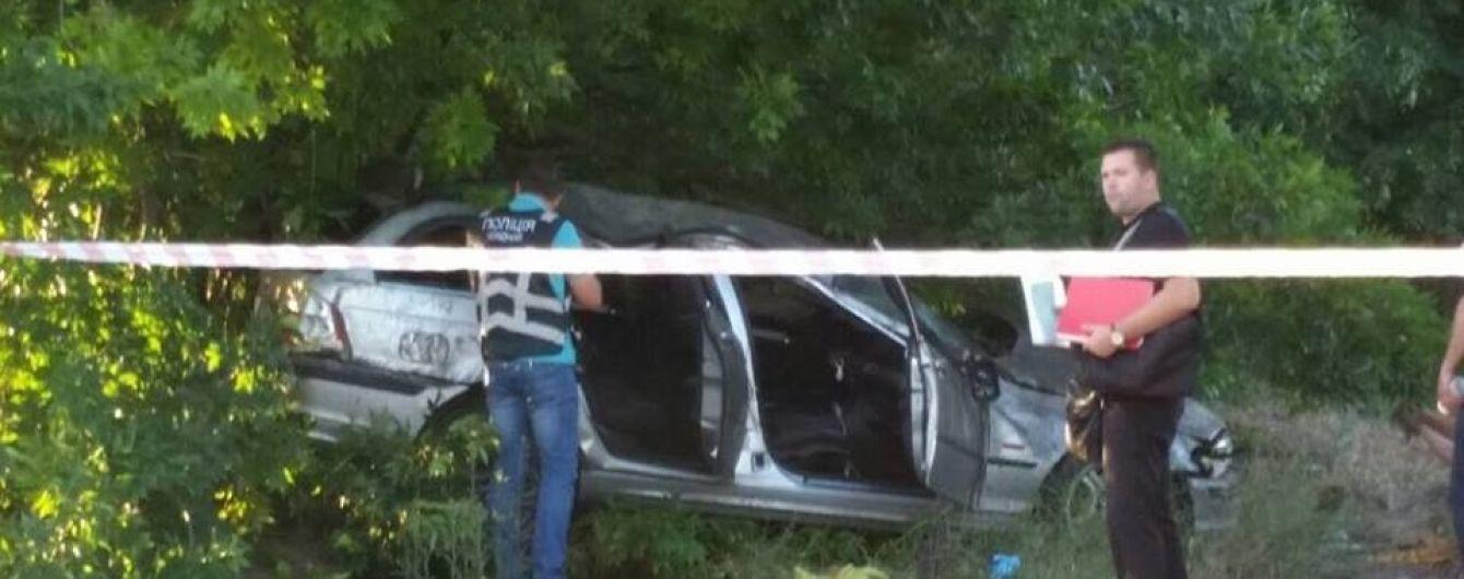 """Смертельное ДТП в Запорожье: свидетель нашел мужчину из """"евробляхи"""" BMW на дереве"""