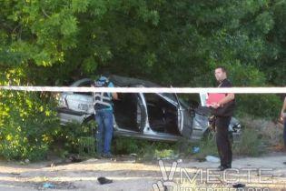 """Смертельна ДТП у Запоріжжі: свідок знайшов чоловіка з """"євробляхи"""" BMW аж на дереві"""