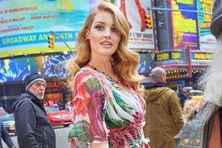 В платье от Dolce & Gabbana: сестра британских принцев - Китти Спенсер, поделилась кадром из новой фотосессии