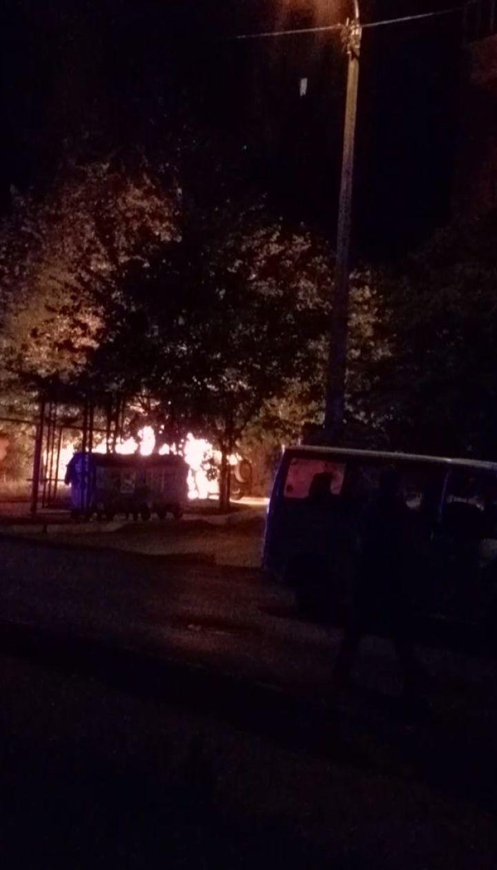 """Ночью в Ровно сожгли авто экс-руководителя """"Правого сектора"""""""