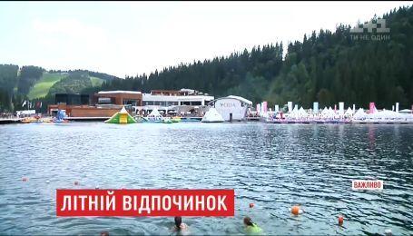 Ради экстрима и отдыха в Буковель съезжаются люди со всей Украины