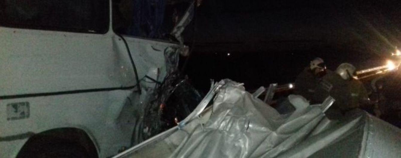 В России в ДТП попал микроавтобус с украинцами, трое человек пострадало