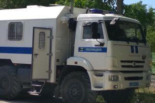 В оккупированном Крыму силовики ворвались к мусульманам и увезли в неизвестном направлении мужчину