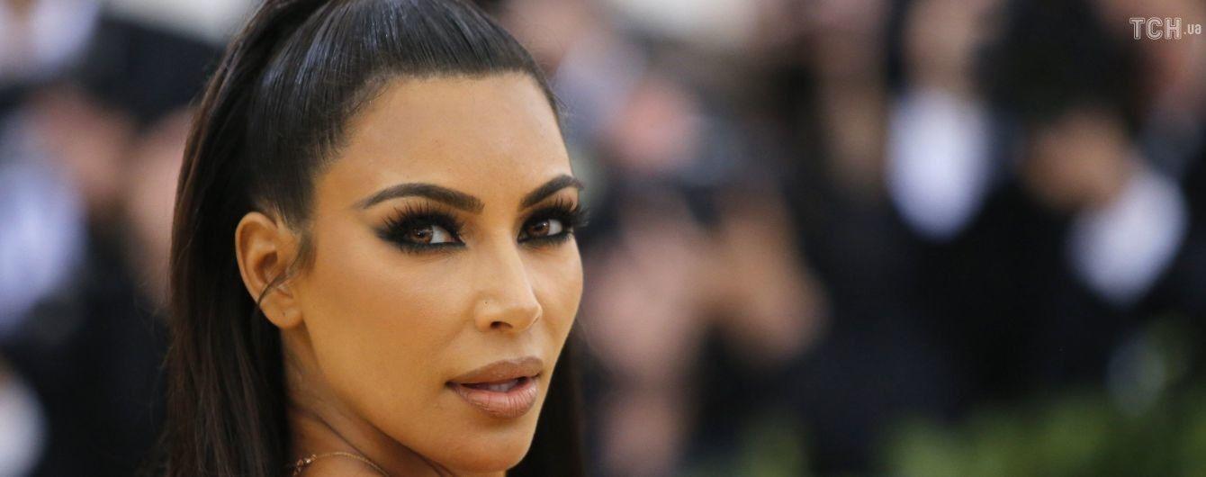 В каком месте она вдохновляет людей: Ким Кардашян жестко раскритиковали за полученную награду