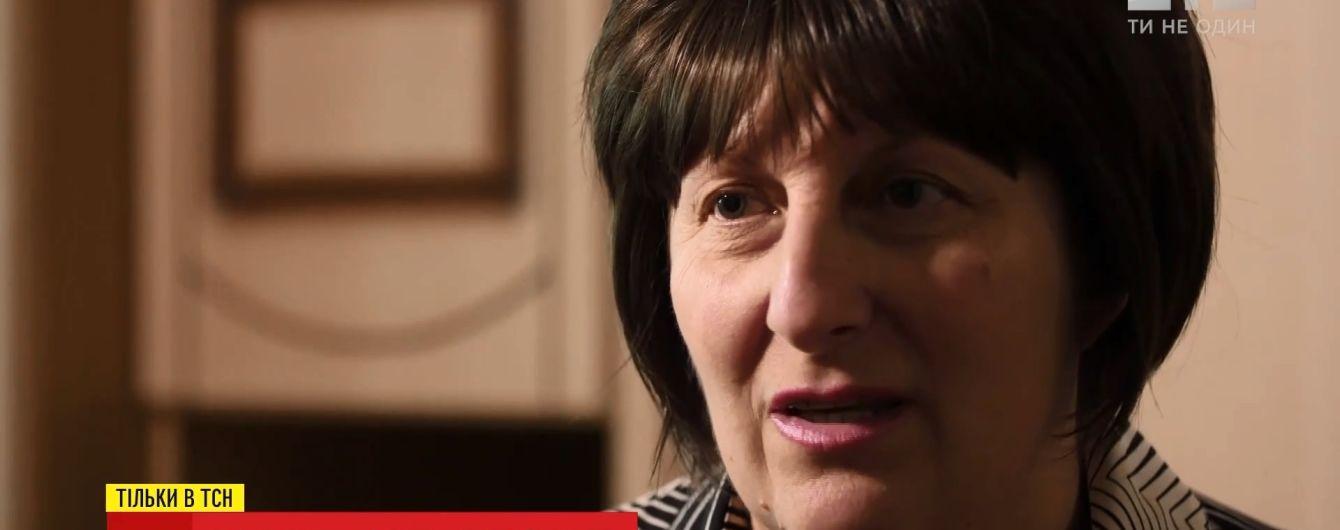 После трех лет борьбы за освобождения сына из плена боевиков мать военного заболела раком