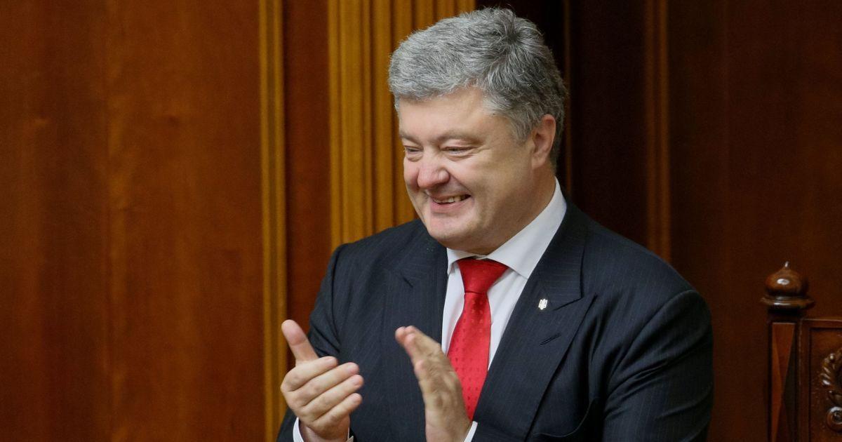"""""""Кремль получил жесткий ответ"""". Порошенко приветствовал новые санкции ЕС """"крымского пакета"""""""