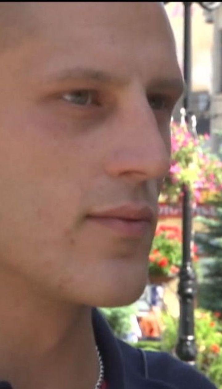 Лікарку, яка відмовила у лікуванні хворому на рак учаснику АТО, звільнили