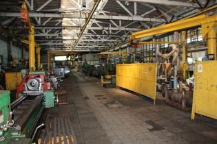 На украинском заводе автокранов вновь запустят конвейер
