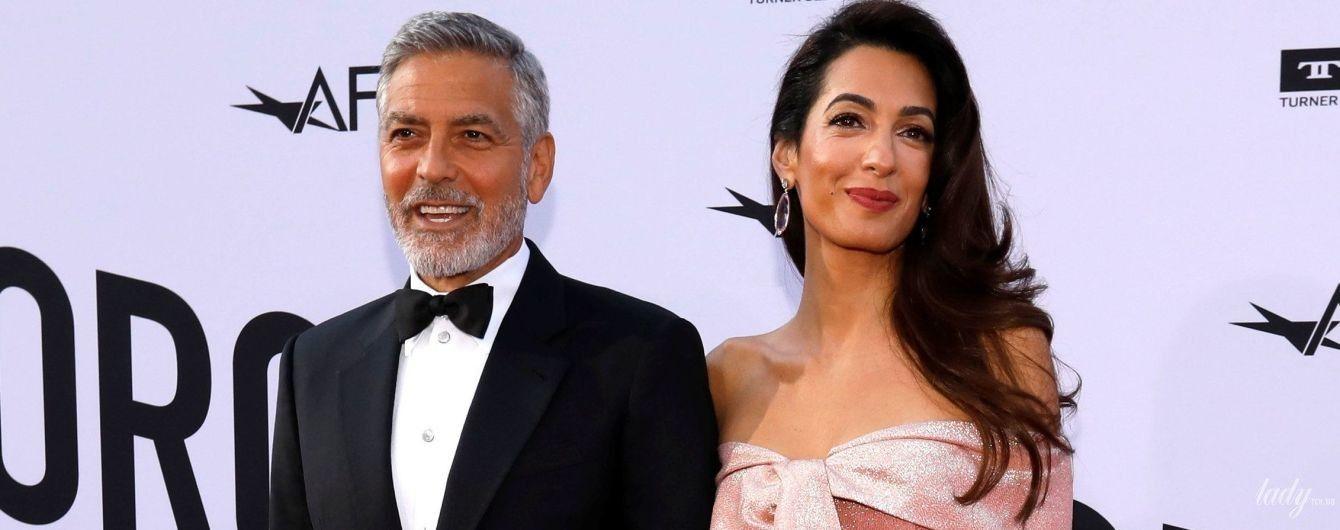 Красивый образ и поцелуи на публике: Амаль и Джордж Клуни вышли в свет