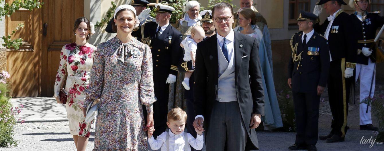 Не впечатлила: кронпринцесса Виктория пришла на крестины племянницы в очень скромном платье