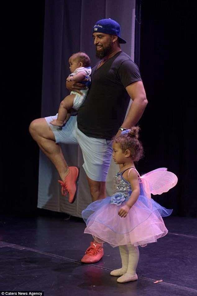 Тато на балеті