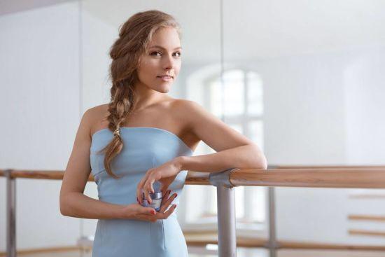 Успішна танцівниця і щаслива мама: Олена Шоптенко святкує 31-й день народження