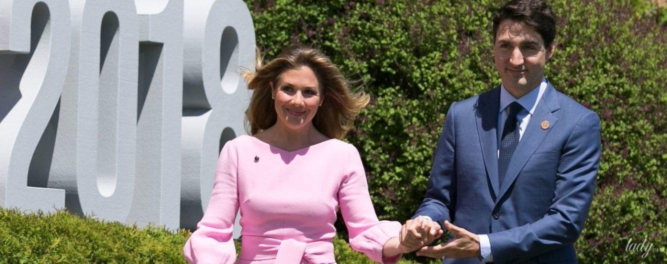 В розовом платье и на шпильках: жена Трюдо продемонстрировала красивый образ