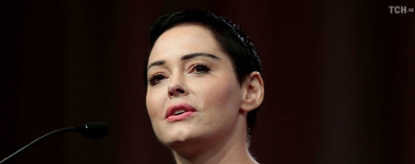 """Звезде сериала """"Все женщины - ведьмы"""" МакГавен официально предъявлены обвинения в хранении кокаина"""