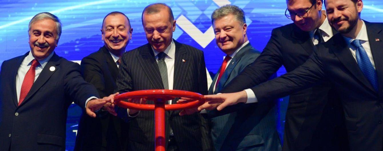 Порошенко надеется получать газ из Азербайджана через Румынию