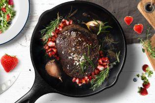 Полуниця і м'ясо — це смачно!