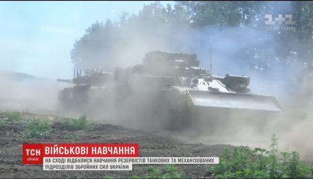На Сході відбулися навчання резервістів танкових та механізованих підрозділів ЗСУ
