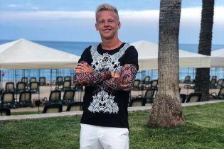 Український футболіст Зінченко еротично потанцював на морі в самих трусах