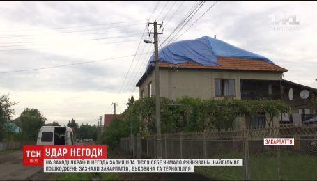 Жители нескольких областей Украины оправляются от мощной грозовой стихии