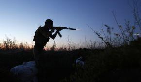 На Донбасі троє українських військових зазнали поранень